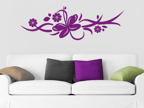 Blütenranke mit Schmetterling Wandtattoo